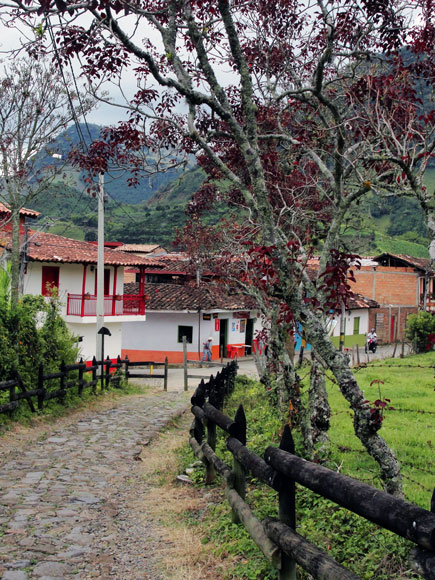 5 pueblos para visitar en antioquia for Fiestas jardin antioquia 2016